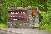 Glacier N.p. Entrance Sign