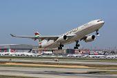 Etihad Airbus A330-300 Istanbul Airport