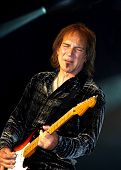 Dave Amato Playing Guitar