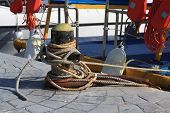 picture of bollard  - bollard with ropes close - JPG