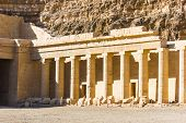 pic of hatshepsut  - the Memorial Temple of Hatshepsut  - JPG