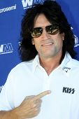 MOOREPARK, CA - SEPT 16:  Tommy Thayer arrives at the 6th Annual Scott Medlock & Robby Krieger Golf
