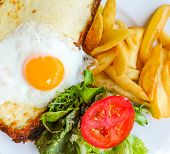 Traditional French Toasted Sandwich - croque madame