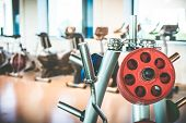picture of rod  - Rod and weights in the gym - JPG