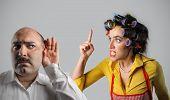 Esposa en extrema rabia contra esposo