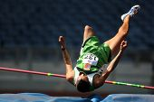 KUALA LUMPUR - AUGUST 16: Myanmar's amputee athlete fails in his attempt in the high jump event of t