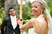 Glückliches Hochzeitspaar, sie