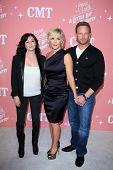 LOS ANGELES - APR 19: Shannen Doherty, Jennie Garth, Ian Ziering Eintreffen Jennie Garths 40. Bir