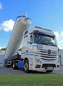 Mercedes-Benz Actros Tanker Truck With Silo Up
