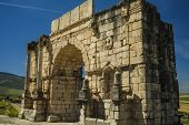 Постер, плакат: North Side Of The Arch Of Caracalla At Volubilis