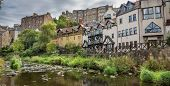 The water of leith walk and houses in Edinburgh