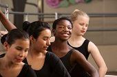 Estudiante de Ballet orgulloso