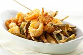 Stir Fried Seafood with White Sauce
