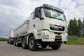 White Man TGS 35.480 Heavy Duty Truck