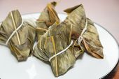 image of chinese wok  - Zongzi in a plate - JPG