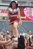 Temple cheerleaders