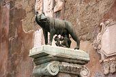 Rom-statue
