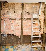 Постер, плакат: сноса мусора в конструкции внутренних кухня и лестница