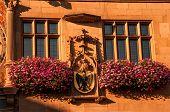 Main Stadt Clock und Fassade am Rathaus In Heilbronn, Deutschland