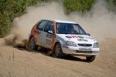 Rostov, Rússia - 27 de julho de 2008: Ivan Smirnov sobre Citroen Xsara em Russo Rally Championship Rostov V
