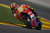VALENCIA, SPAIN - NOVEMBER 9: Valentino Rossi in the official motogp test with new 1.000cc engines,