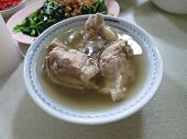 Bak-kut-teh meat bone tea