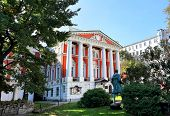 pic of manor  - Manor of the eighteenth century of red color with white columns