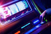 Постер, плакат: Casino Slot Machine Player