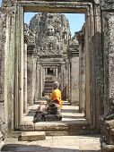 Yellow Buddha, The Bayon, Angkor Tom, Cambodgia