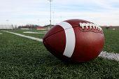 US-amerikanischer American-Football auf dem Feld