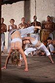 Artistas de capoeira feminina