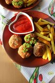 Meat balls with sauce and potatoes