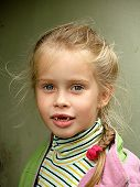 picture of edentate  - the toothless child girl six years ago portrait - JPG