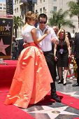 LOS ANGELES - JUN 20:  Jennifer Lopez, Casper Smart at the Hollywood Walk of Fame star ceremony for
