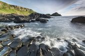 A paisagem de Irlanda do Norte Giants Causeway