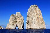 Falésias de Faraglioni, Capri, Itália, Europa