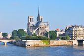 Paris. Cite Island