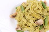 Pasta with mushrooms and french bean.