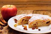 Raisins And Apple Pie