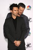 LOS ANGELES - NOV 24:  Adam Levine, Blake Shelton at the