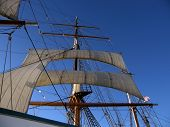 foto of yardarm  - Moored in San Diego this ship formed part of the Maritme Museum - JPG