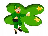lepechaun beer green clover background