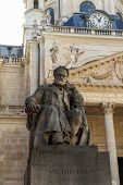 Постер, плакат: Victor Hugo Monument In Paris France