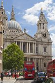 LONDON, UK - JUNE 30, 2014: St. Paul cathedral square, view from busy street