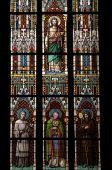 Heiligen befleckt Fenster