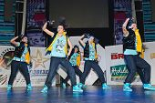 Members Breakdance Team Sm - Super Girls On Stage