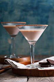 pic of vodka  - Chocolate martini coctail made from chocolate - JPG