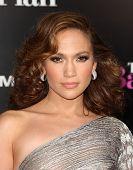 LOS ANGELES - NOV 21:  Jennifer Lopez arrives to the The Back-Up Plan' Los Angeles Premiere on Novem