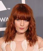 LOS ANGELES - 13 FEB: Florence Welch kommt bei den 2011 Grammy Awards am 13. Februar 2011 in Los A