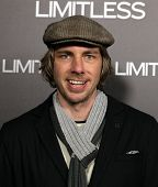 LOS ANGELES - MAR 3:  Dax Shepard arrives at the